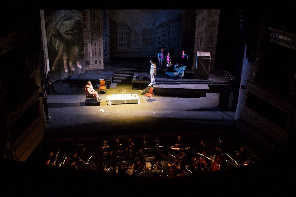 Don Giovanni, a cenar teco. M'invitasti e son venuto !